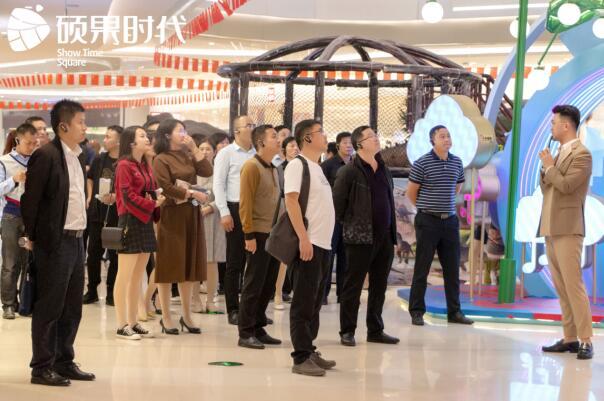吉安市商务局领导莅临硕果时代购物中心考察
